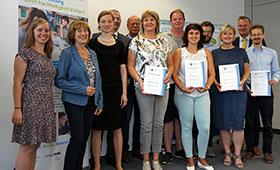 Fachkraft Ausbildung für nachhaltige Entwicklung: IHK-Zertifikate nach erfolgreicher Weiterbildung übergeben