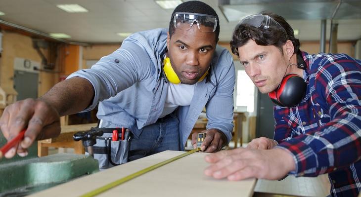 Berufe mit Fachkräftemangel: Zahl neuer Azubis mit ausländischer Staatsangehörigkeit angestiegen