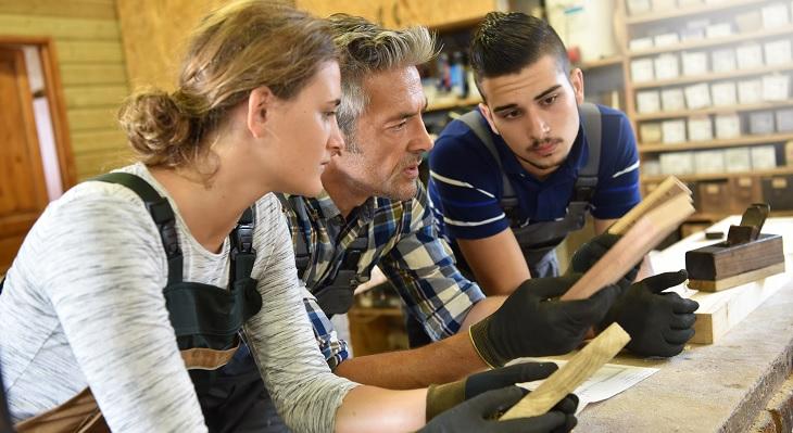 Ausbildungsplatznachfrage erreicht neuen Tiefstand