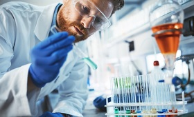 Digitale Kompetenzen für die Chemikanten- und M+E-Ausbildung