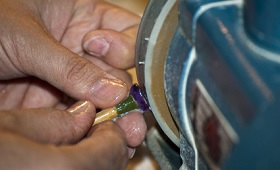 Ausbildung für Edelsteinschleifer/-innen modernisiert