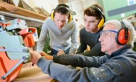 Enquete-Kommission Berufliche Bildung: Einfluss der Digitalisierung auf Berufsbilder