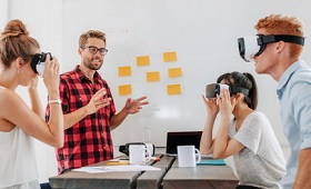 Azubis mit VR-Brillen