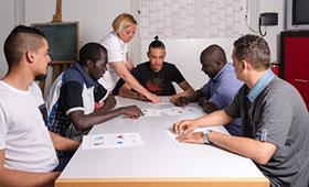 Flüchtlinge lassen Zahl der Anfänger bei Bildungsprogrammen im Übergangsbereich stark ansteigen