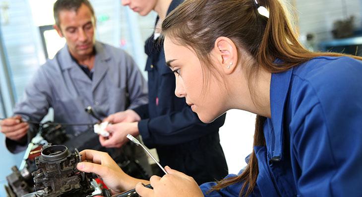 Vier von fünf Jugendlichen werden im Wunschberuf ausgebildet