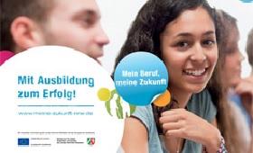 """Broschüre """"Mit Ausbildung zum Erfolg!"""" in neun Sprachen"""