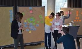 Abbildung 1: Ausbilder/-innen und Ausbilder im NaReLe-Workshop