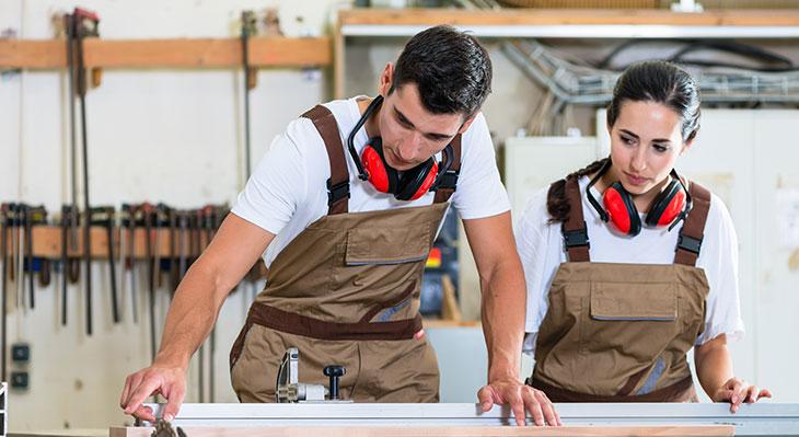 Ausbildungsbilanz: Sozialpartner appellieren an Unternehmen und junge Menschen