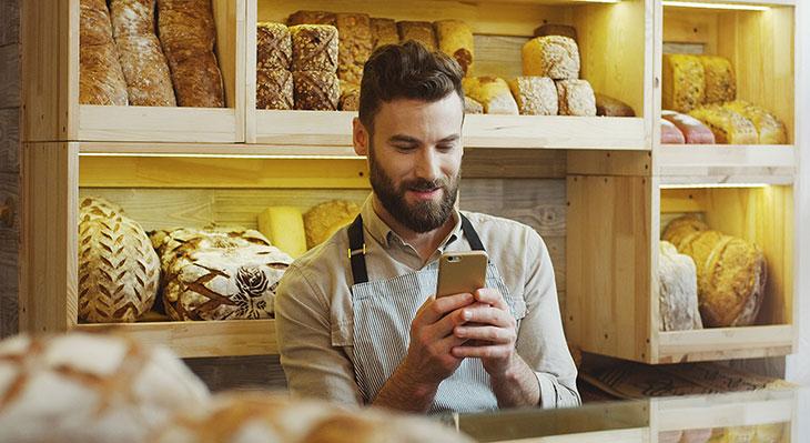 """""""Back Dir Deine Zukunft"""": Bäckerhandwerk stellt App für das digitale Berichtsheft vor"""