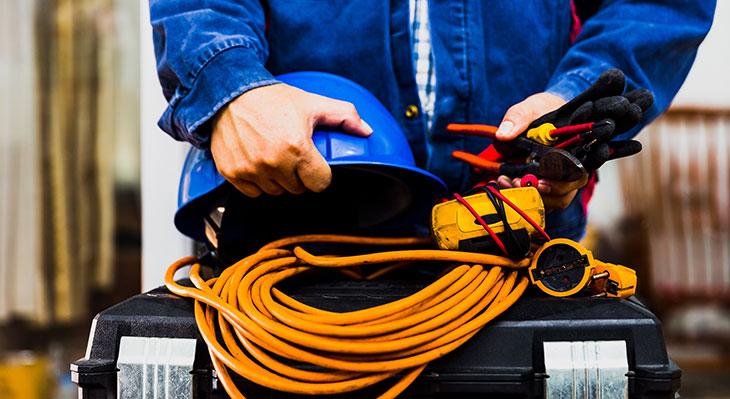 Neugeordnete handwerkliche Elektroberufe treten am 1. August in Kraft