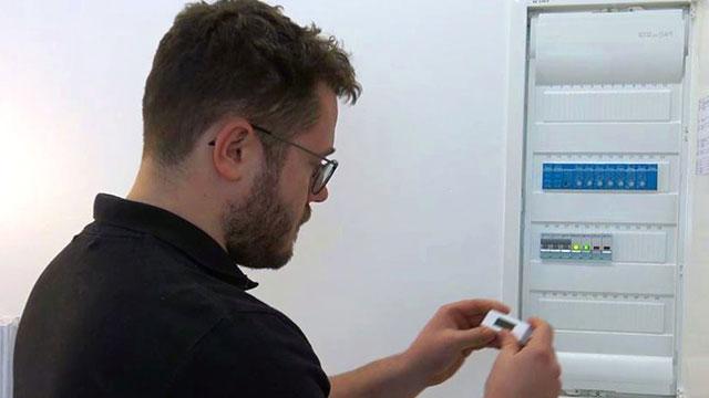 Auftragsdurchführung: Montage der Smart Home Lösungen